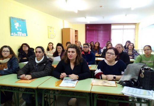 Trinta mulleres participan en riveira nun novo curso sobre dependencia e coidados