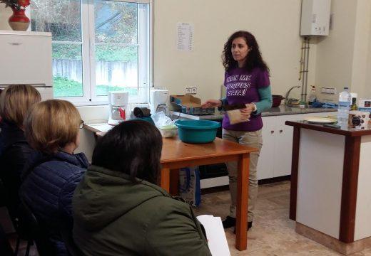 20 persoas participaron en San Sadurniño no obradoiro de repostaría e pans sen glute ofrecido dentro do programa Tempos para compartir