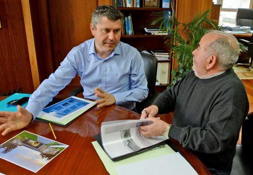 O alcalde de Monfero trasládalle ao delegado territorial da Xunta na Coruña diversos asuntos relacionados co concello