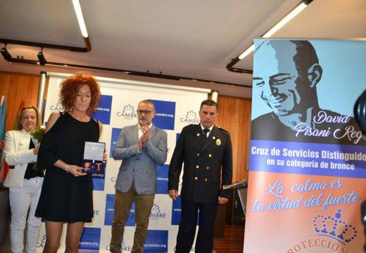 Cambre entrega á familia de David Pisani a Cruz de Servizos Distinguidos outorgada pola Asociación Nacional de Agrupacións de Protección Civil
