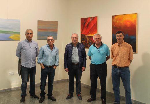 """O centro cultural de Sigüeiro acolle ata o 14 de maio a exposición de pintura """"Catro médicos por Oroso"""""""