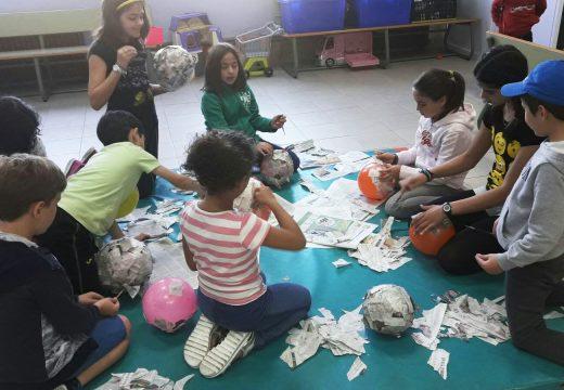 Unha vintena de nenos e nenas participa na primeira edición dos obradoiros do Lousame Concilia de Semana Santa