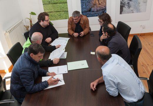 O Concello de San Sadurniño suscribe convenios con tres entidades deportivas do municipio por valor de 31.000 euros