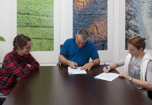 O Concello de San Sadurniño e a ANPA reeditan o convenio de colaboración para o desenvolvemento de actividades dentro e fóra do centro de ensino