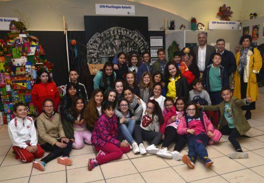 A Feira da Educación de Riveira abriu as súas portas como un foro único en Galicia para compartir experiencias no eido do ensino
