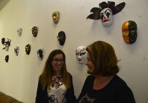 A Casa Consistorial exhibe en abril medio cento de máscaras de entroido elaborados por usuarios do Centro de Alzhéime