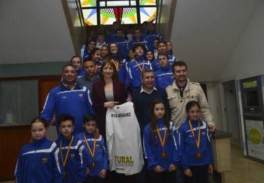 Visita da secretaria xeral para o Deporte ao concello de Riveira con motivo da próxima celebración do Campionato Soño Olímpico