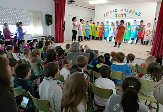 Música, deporte e narracións para conmemorar o Día das Letras Galegas no CEIP O Mesón do Vento