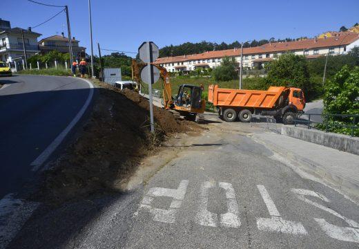 Arranca a construcción dun novo tramo de beirarrúas de 230 metros de longo na rúa Alcalde Fernández Bermúdez de Riveira