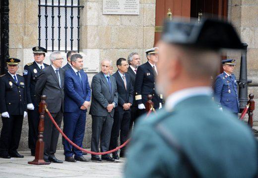 Ovidio Rodeiro participou no Arriado da Bandeira co que a Forza Loxística Operativa celebrou o Día da Forzas Armadas