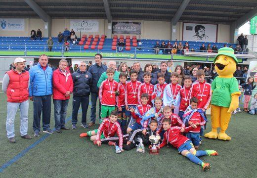 O Celta de Vigo, campión da Troi cup, I Torneo Internacional de Fútbol Alevín do Concello de Oroso no que participaron 150 xogadores