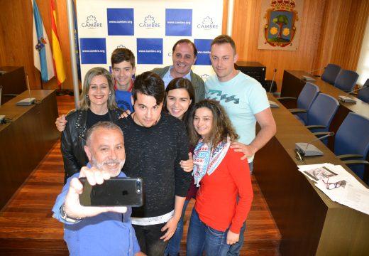 Cambre entrega os premios do concurso de selfies FAITE UM CAMBRIE