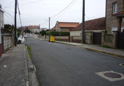 A renovación das liñas de saneamento nas rúas Delicias e Dunas permitirá erradicar un punto de vertido en Corrubedo