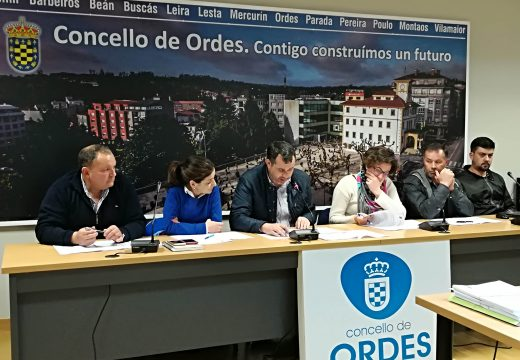 Alejandro Manteiga toma posesión como novo concelleiro da Corporación ordense