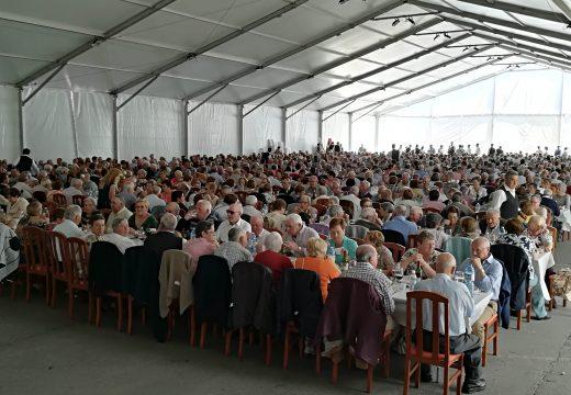800 maiores de Ordes celebran a súa xuntanza coincidindo co Día da Nai