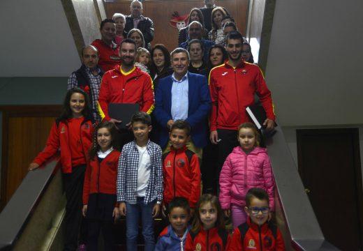 Recepción a Iván Parada e Juan Manuel Pérez tras os seus éxitos no mundial de Kempo