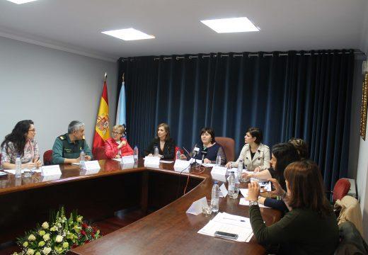 Constituída a Mesa Local de Coordinación Interinstitucional fronte á Violencia de Xénero de Lousame, presidida por Teresa Villaverde