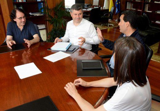 O delegado territorial da Xunta na Coruña recibiu ao novo equipo directivo da Federación Unión Comercio Coruñesa