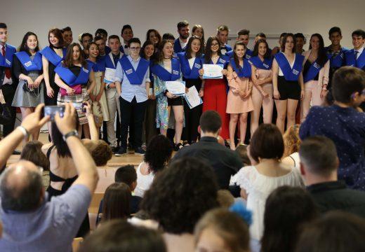Acto de graduación de 31 alumnos e alumnas de 2º de Bacharelato do IES de Brión