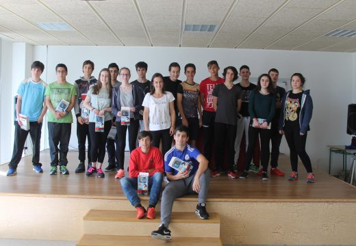 O alumnado do IES de Brión recibe os premios da III Competición de Robots da Escola de Enxeñería Industrial da Universidade de Vigo