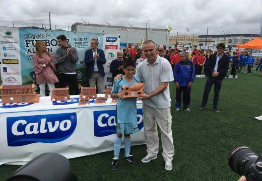 O Concello de Oroso felicita aos alevíns do Xuventude Oroso, subcampións do XIII Torneo de Fútbol 7 Concello de Carballo