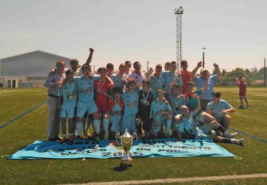 O Concello de Oroso felicita aos cadetes do Xuventude Oroso, campións da Copa do Sar