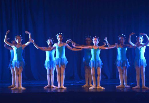 Asistencia multitudinaria ao Festival de Danza Clásica no Auditorio Municipal