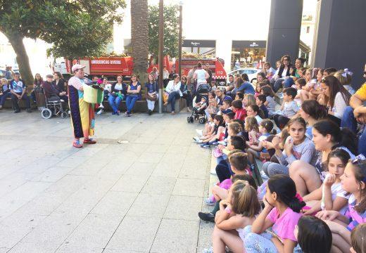 Obradoiros infantís na praza do concello no marco do xuño da cultura e as artes