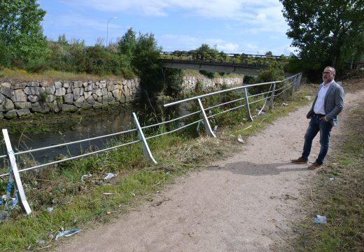 Cambre inicia o acondicionamento do río Mero e denuncia o roubo da varanda do paseo