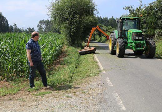 O Concello de Frades leva desbrozados máis de 300 kms de estradas nos 2 últimos meses