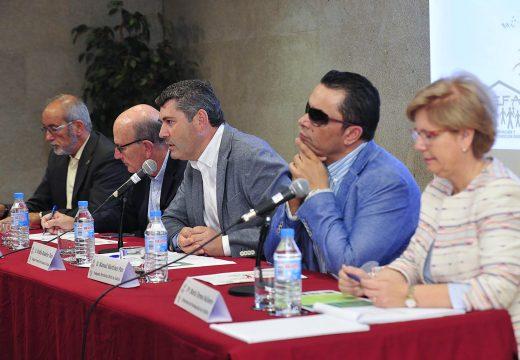 O delegado territorial da Xunta na Coruña, Ovidio Rodeiro, participou na inauguración da escola de verán de EFA Galicia