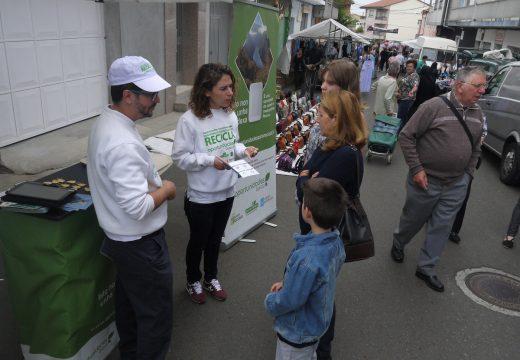 Touro impulsa entre os veciños a cultura da reciclaxe