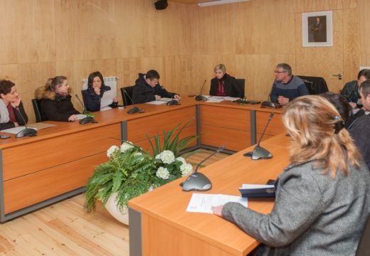 O primeiro pleno do ano en San Sadurniño sáldase cun alto grao de consenso dos tres grupos municipais