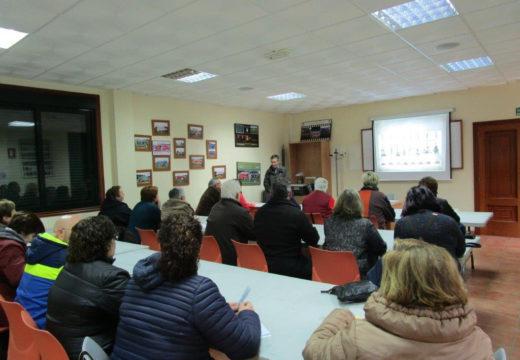 Comeza en Frades un curso de Plantas Aromáticas e Medicinais con 26 participantes
