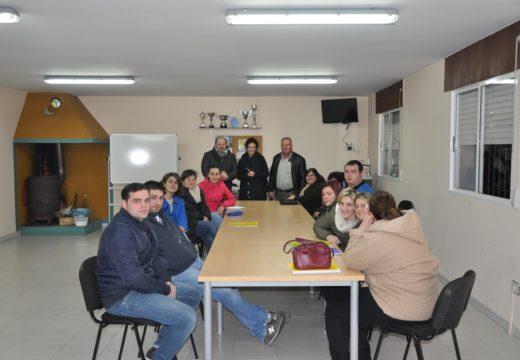 Os Concellos de Frades e Mesía inician un curso conxunto de preparación dos exames para obter o graduado en ESO