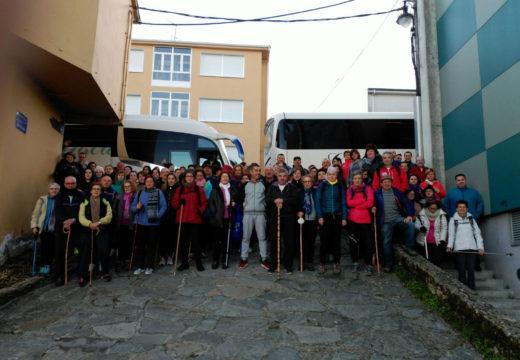 Un total de 93 veciños e veciñas de Frades percorren a quinta etapa do tramo galego do Camiño de Santiago: Palas de Rei – Arzúa
