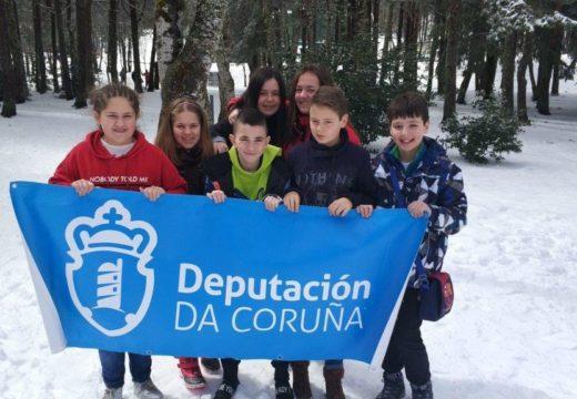 Sete nenos e nenas de Ordes participan na expedición a Manzaneda organizada pola Deputación da Coruña