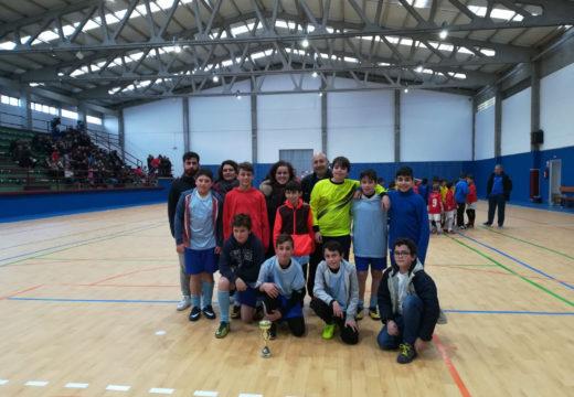 Os alevíns das Escolas Deportivas Municipais de Brión proclámanse campións da fase final comarcal da Liga de Deporte Escolar