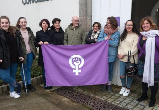 O Concello de San Sadurniño súmase aos actos reivindicativos co gallo do Día Internacional da Muller