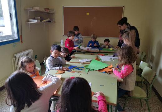 Unha vintena de nenos e nenas participa na segunda edición dos obradoiros de Semana Santa do Lousame Concilia