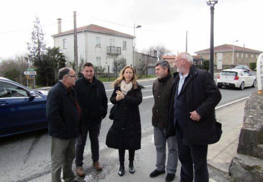 O delegado territorial da Xunta e o alcalde de Boqueixón reclaman solucións para a problemática de circulación no cruce de Lestedo