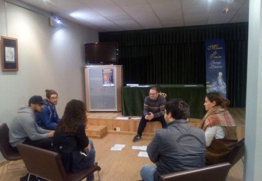 Susana García dá a benvida ás persoas participantes do programa 'Soy emprended@r'