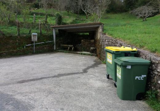 A veciñanza de Muiño (Roo) dispón dun novo punto de recollida do lixo