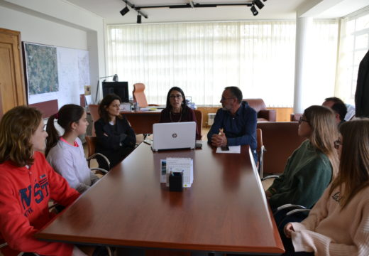 Alumnos do David Buján presentan propostas ao Concello para reducir a contaminación lumínica