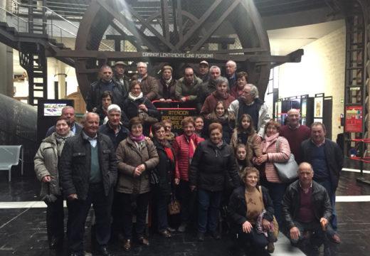Corenta veciños e veciñas de Frades participan nunha excursión a Asturias