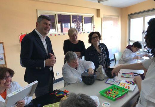 Ovidio Rodeiro visita o centro ocupacional Pascual Veiga e reitera o compromiso da Xunta coas familias de discapacitados