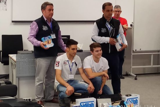 Premio Comforp para os alumnos de automoción de Ordes