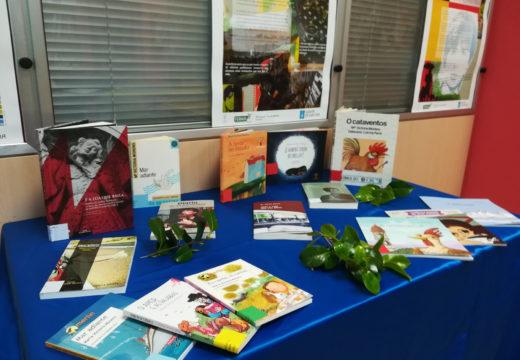 Mostra sobre María Victoria Moreno Márquez na biblioteca municipal de Ordes