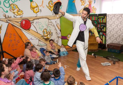 As nenas e nenos da escola infantil estrean a celebración das Letras Galegas en San Sadurniño