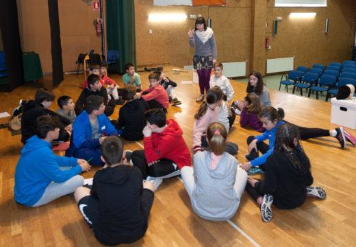 Muller e literatura danse a man en San Sadurniño nas actividades para a rapazada co gallo das Letras Galegas